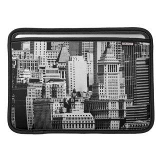 NYCのスカイラインIX MacBook スリーブ