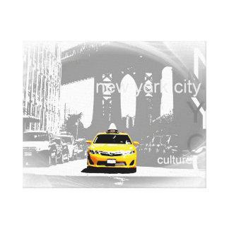 Nycの黄色いタクシーのブルックリン橋のポップアートの写真 キャンバスプリント