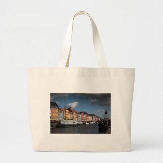Nyhavn、コペンハーゲン ラージトートバッグ