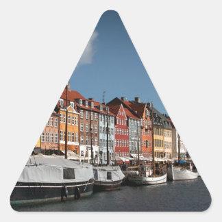 Nyhavn、コペンハーゲン 三角形シール