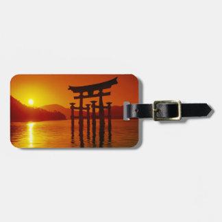 O-Toriiのゲート、Itsukushimaの神社、宮島、 ラゲッジタグ