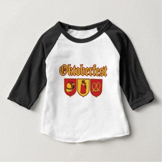 Octoberfestt盾Icons2 ベビーTシャツ