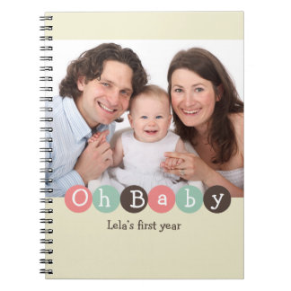 Ohベビー最初年家族のベージュ色のパステル調の点ジャーナル ノートブック