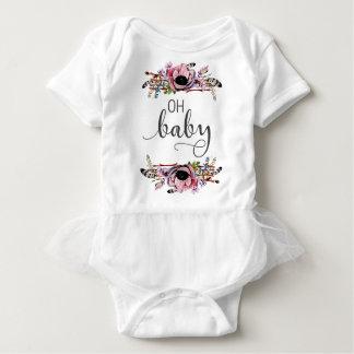 Ohベビー|の女の赤ちゃんのBohoの花の羽フレームのチュチュ ベビーボディスーツ