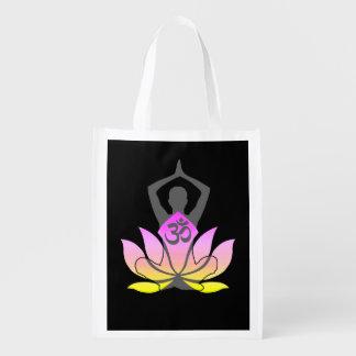 OMのナマステの精神的なはすの花のヨガの姿勢 エコバッグ