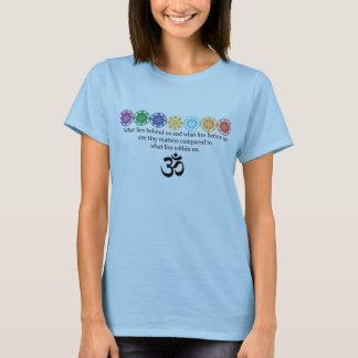 Omのヨガのティー Tシャツ