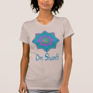 Om Shantiの上 Tシャツ
