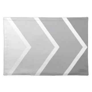 Ombré灰色のシェブロンストライプなパターン ランチョンマット
