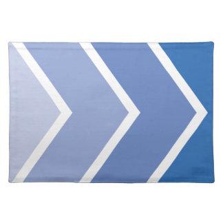 Ombré青いシェブロンストライプなパターン ランチョンマット