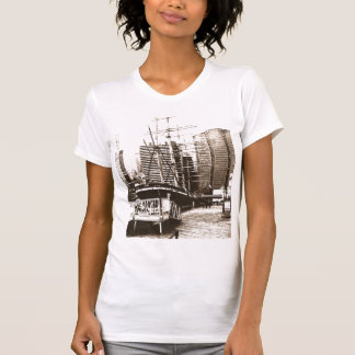 On the Waterfront in NY_z02 Tシャツ