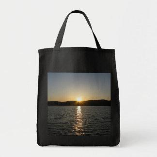 Onota湖の日没: 縦 トートバッグ