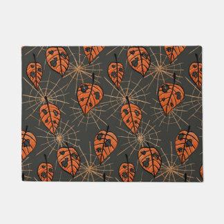 Orange Autumn Leaves Spiderwebs Halloween Pattern ドアマット