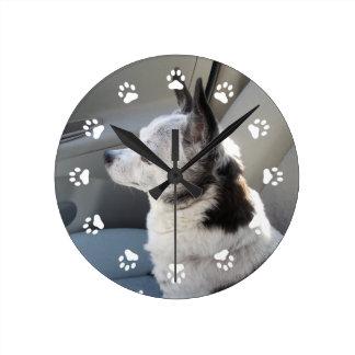 Oreoはチワワの時計を着色しました ラウンド壁時計