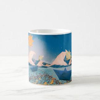 Origamiのボート及び魚 マジックマグカップ