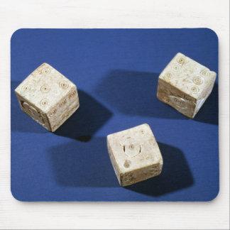 Osteriaのアクロポリスからの3つのサイコロ、 マウスパッド