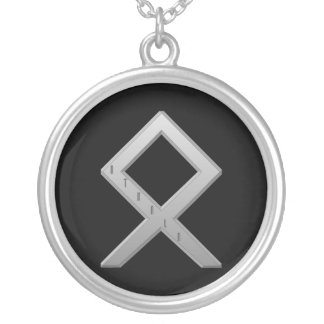OthalaのRuneの灰色 シルバープレートネックレス