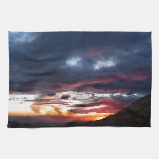 Ottoway湖の日没-ヨセミテ-シエラネバダ山脈 キッチンタオル