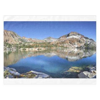 Ottoway湖-ヨセミテ--を下げて下さい テーブルクロス