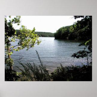 Ozarksの州立公園の湖 ポスター