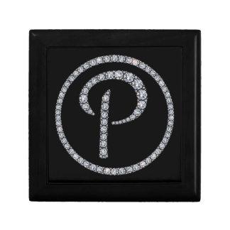 Pのモノグラムのきらきら光るなリングや輪のギフト用の箱 ギフトボックス