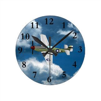 P51ムスタングの飛行機の時計 ラウンド壁時計