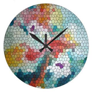 © P Wherrellのステンドグラスのモザイク《植物》スイレン ラージ壁時計