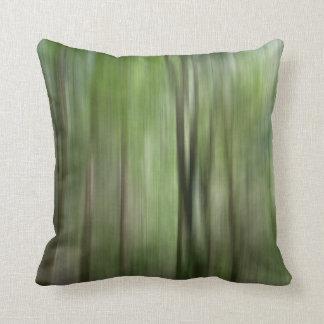© P Wherrellの森林汚点の芸術の写真の木 クッション