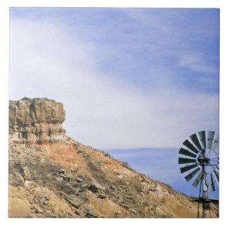 PaloのDuroのNA、米国、テキサス州の風車および崖 タイル