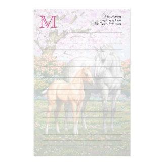 Palominoの子馬および灰色の馬 便箋