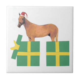 Palominoの馬のサンタの帽子のタイル タイル