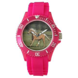 palomino力のピンクの腕時計 腕時計