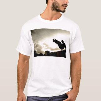 Parkourのジャンプ Tシャツ