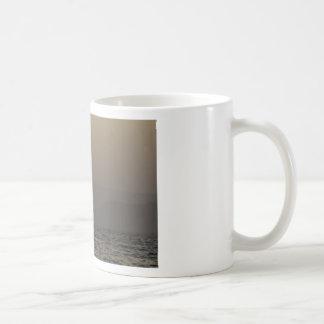 Parosの島山上の日没 コーヒーマグカップ