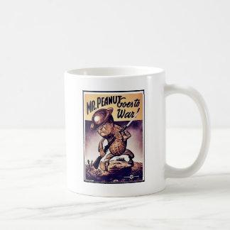 Peanut氏は参戦します コーヒーマグカップ