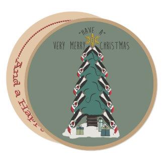 Peculiar Penguins Hang Around The Christmas Tree カード