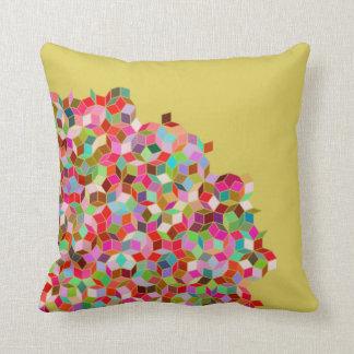 Penroseのタイルの枕(ピンクおよびベージュ色) クッション