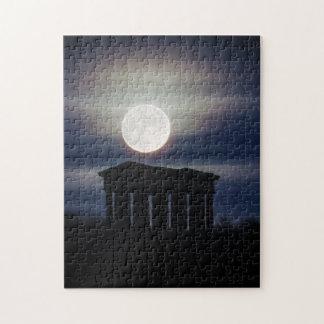 Penshaw記念碑のパズルまたはジグソーパズル上の満月 ジグソーパズル