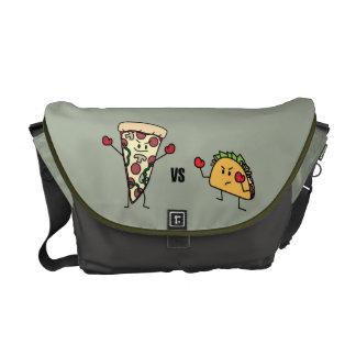Pepperoniピザ対タコス: メキシコ人対イタリア語 クーリエバッグ