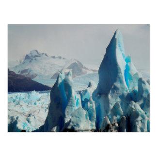 Peritoモレノのアンデス山脈の氷河の氷のスパイク ポストカード