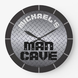 Personalized Diamondplate Man Cave ラージ壁時計