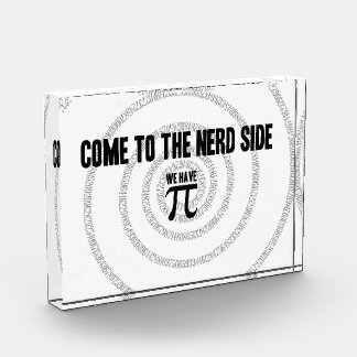 Piのタイポグラフィのスタイルのためのおたくの側面に来られる 表彰盾