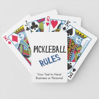 pickleballはberniceの黒く青いピクルスの球を支配します バイスクルトランプ