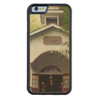 Pigeon Forgeのチャペル CarvedメープルiPhone 6バンパーケース