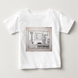 Piliero著ギター猫そしてランプ ベビーTシャツ