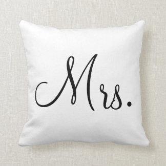 Pillow夫人 クッション