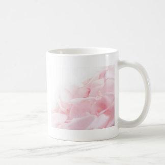 PinkRoseの花びら コーヒーマグカップ