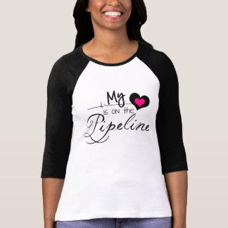 PipeLinerの妻-私のハートはパイプラインにあります Tシャツ