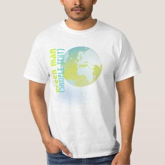 PixDezinesのグリーンマン、地球 Tシャツ