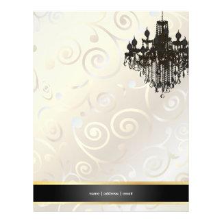 PixDezinesのシャンデリアのカップケーキの渦巻か真珠のような白 チラシ