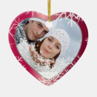 PixDezinesの雪片の写真テンプレートの白 + 赤い 陶器製ハート型オーナメント